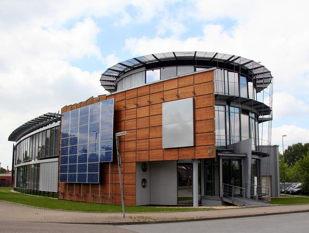 UPS Solar Commercial Solar Panels